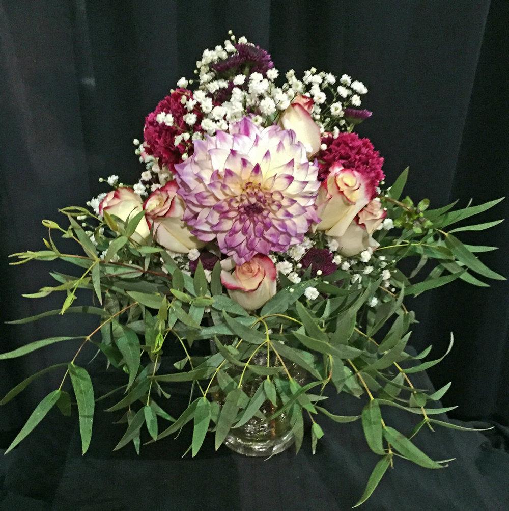 vase arrangement - fresh flowers