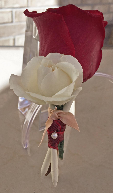 groom golf tee boutineer - fresh flowers