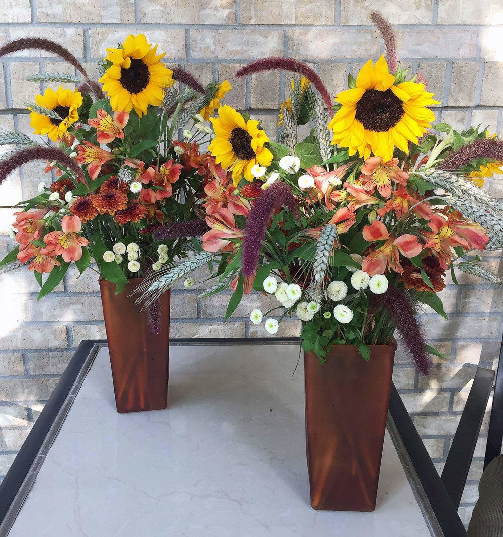 tall centerpieces or accent arrangements for fall event - fresh flowers and grasses