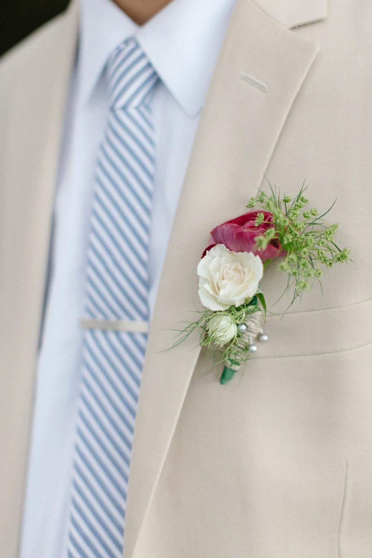 groom's boutineer - fresh flowers