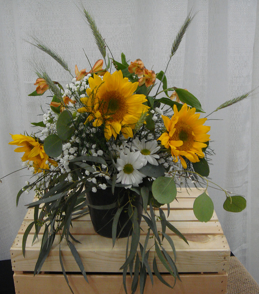 low profile vase arrangement - fresh flowers, country / rustic / western theme