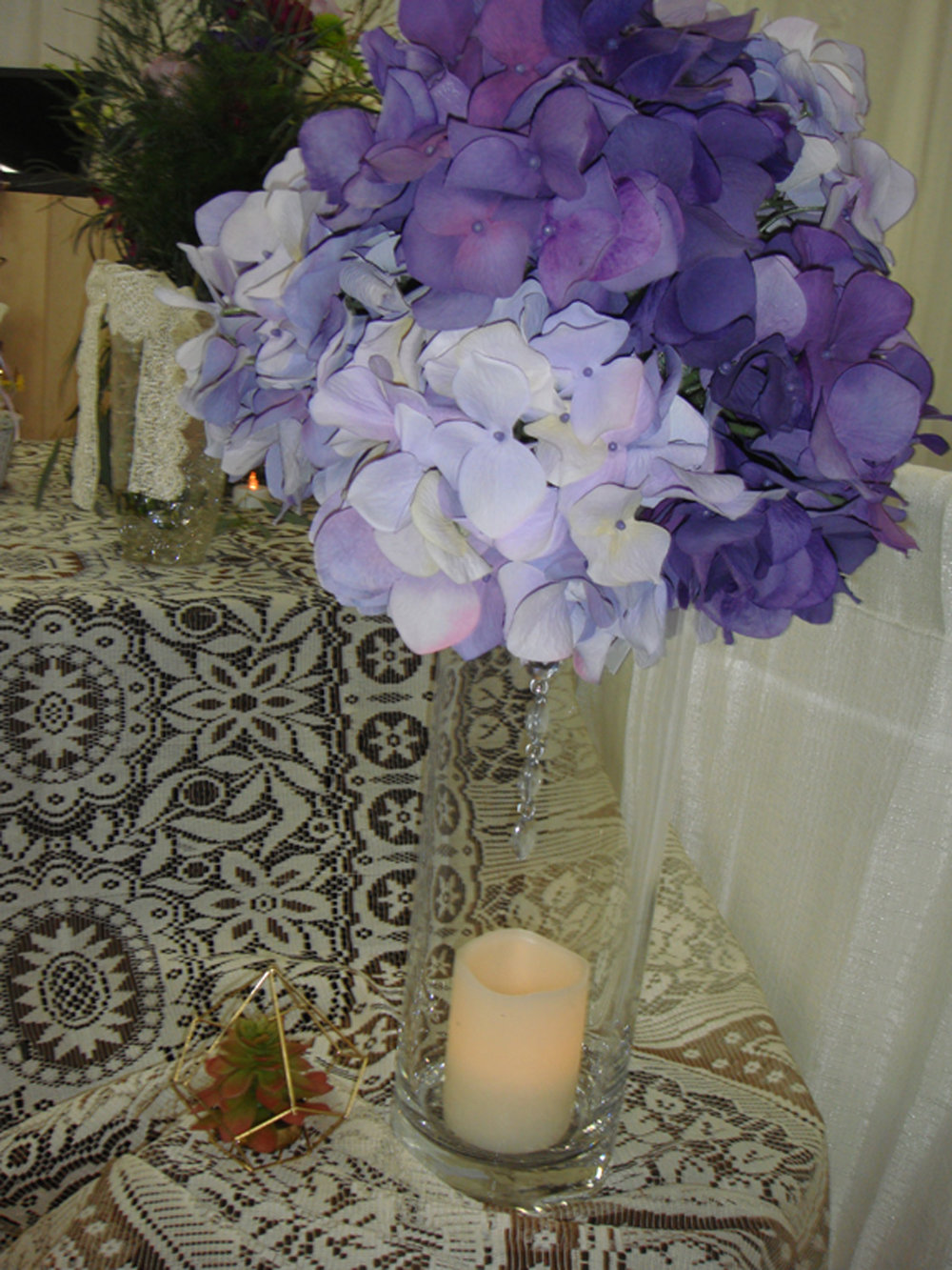 reception / event decor - silk flower hydrangea w/crystal dangle on tall glass vase