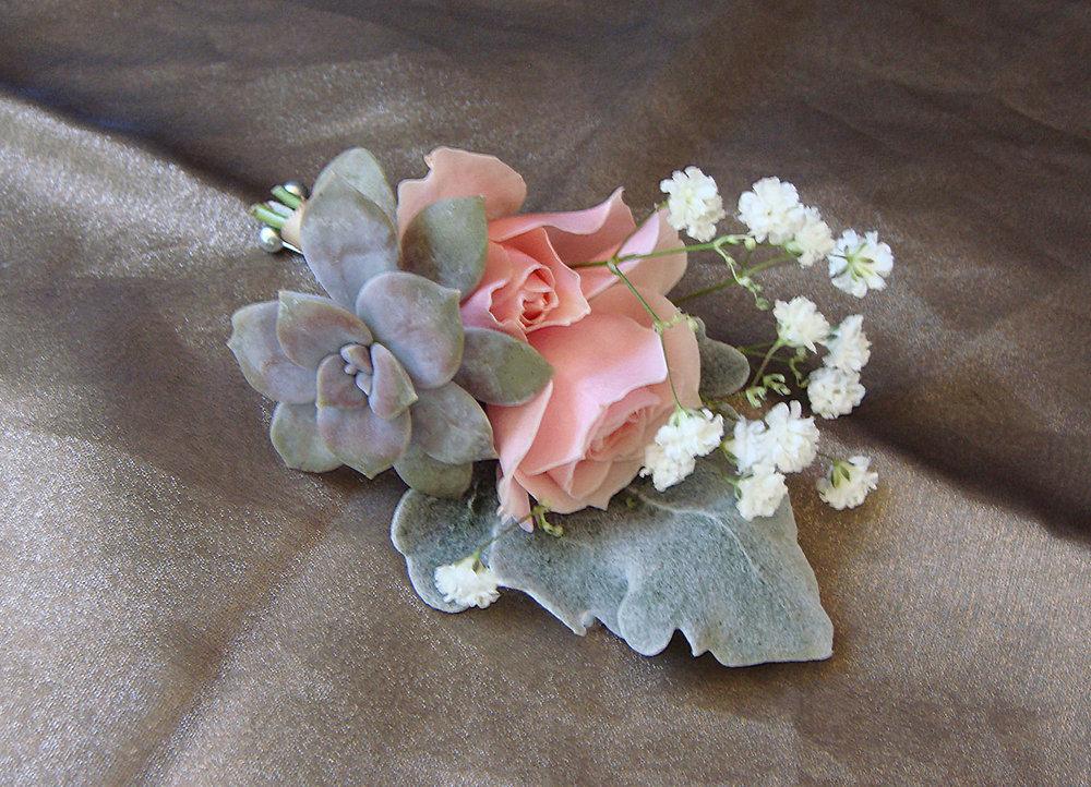 groom boutineer - fresh flowers, fresh mini succulents, jute wrap