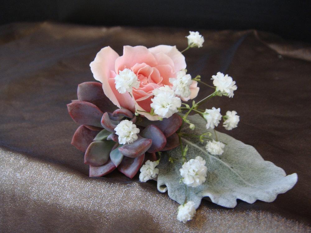 groomsman boutineer - fresh flowers, fresh mini succulent, jute wrap