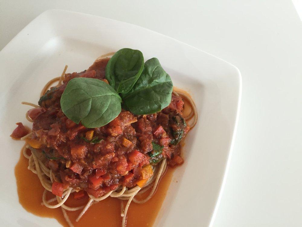 Pasta Salsa Roja con Zetas y Espinacas Blog de Cerca