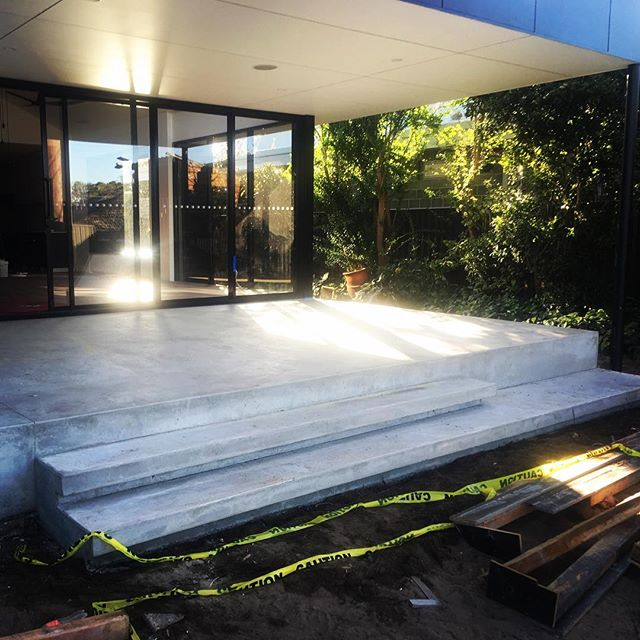 Progress shot of a little job in Coolbinia. Burnished alfresco with floating stairs. 👌