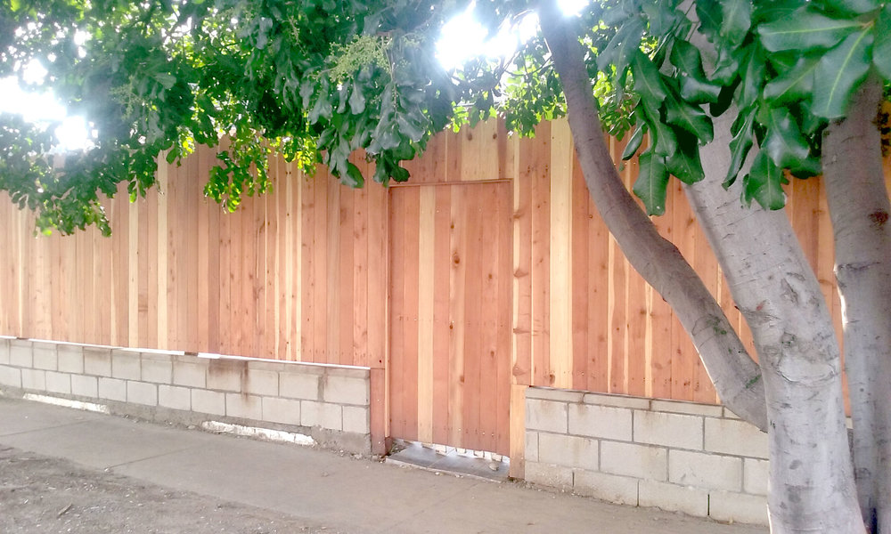 rcs-residential-construction-wood-fence-2c.jpg