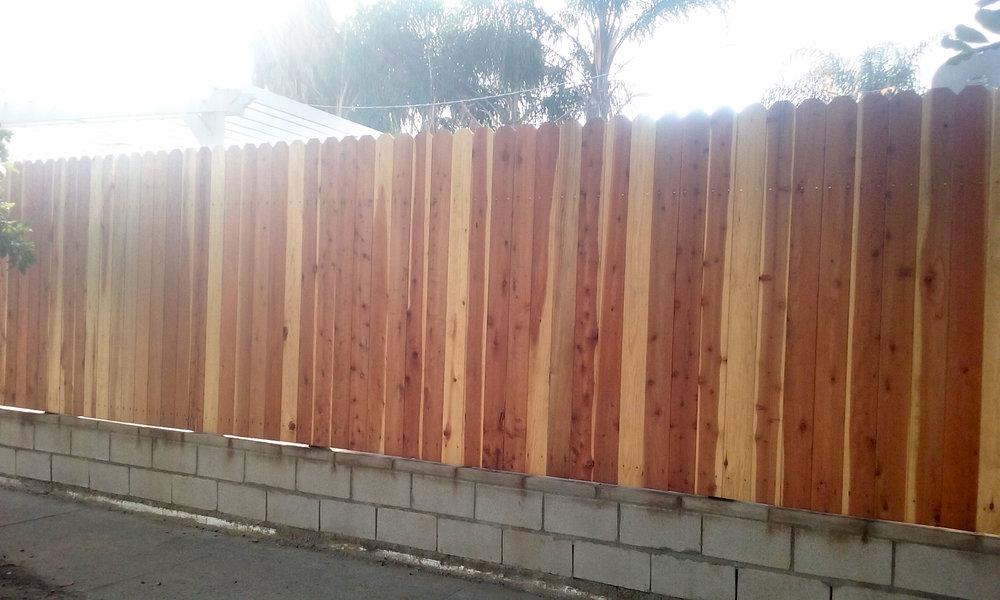 rcs-residential-construction-wood-fence-2e.jpg