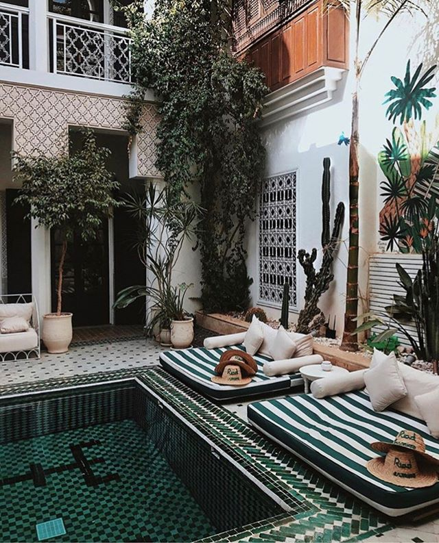 It's Monday y'all! 🍾 We wish we were here. Enough about us though -when's the last time you had a spa day? #nomoremondayblues  __  Spa day for 2 ✨ Skin Consultation 1 Hr Facial  Couples Massage  Aromatherapy  Call us to inquire at 646.912.9999