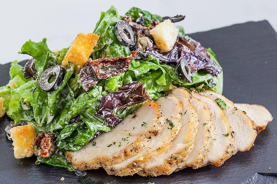 Roast Chicken Caesar Salad - 230 kcal (Non Veg).jpg