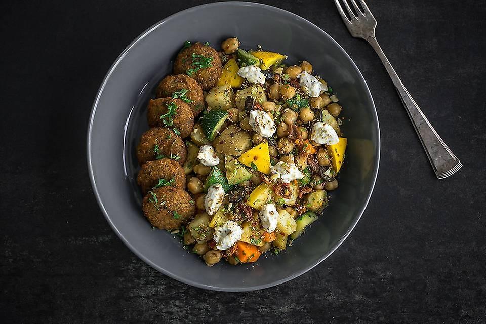 Warm Falafel Veggie Meal