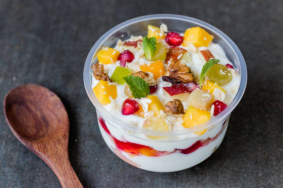 Yogurt fruit Parfait.jpg