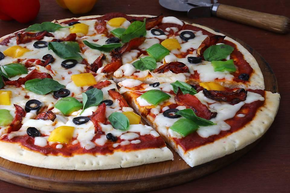 Italian Olive Basil Pizza.JPG
