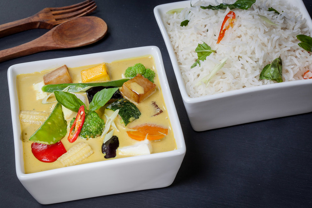 _17FM09465_Thai Yellow Curry with Steamed Rice (Veg).jpg