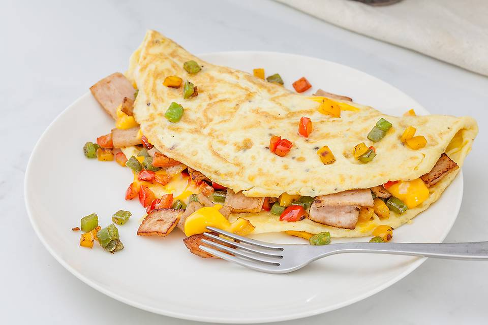 Chicken Ham 'n' Cheese Omelette, Garlic Bread (Non Veg).jpg