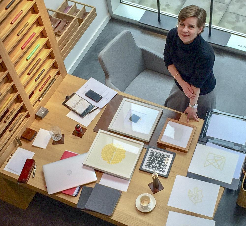 Wenn Sie Fragen zu unseren Events haben, sich als KünstlerIn / AusstellerIn bewerben möchten oder unsere Räume für ein ganz besonderes Firmenevent buchen wollen, wenden Sie sich gerne an unsere Kuratorin: - Frau Dr. Birgit Lorenz-MeyerEmail: b.lorenz-meyer@elbwood.de