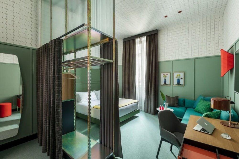 006-room-mate-giulia-patricia-urquiola-1050x700.jpg