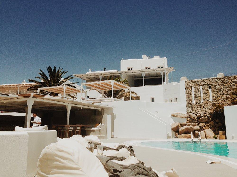HOTEL_WEEKEND_TANIA_LIAN_BOHEME_MYKONOS6.JPG