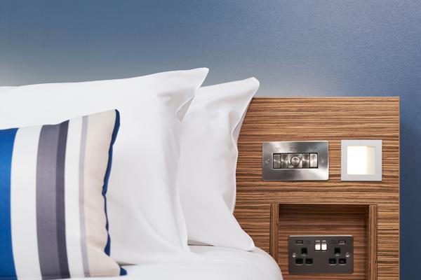 usb_bedroom.jpg