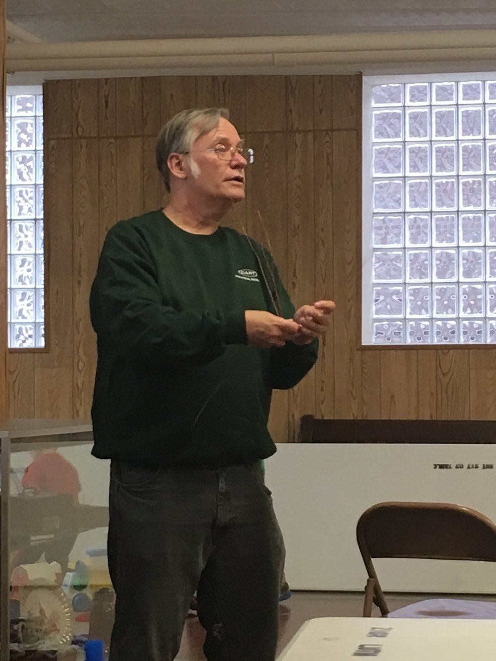 Bob Jurgaitis - KA9CQE gave us a great presentation and demonstration on 220 MHz antennas.