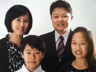 하홍표 목사님 가족사진.jpeg