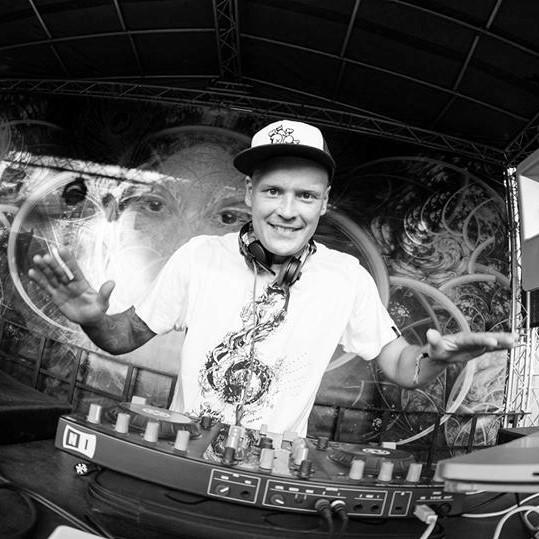 DJ INTELLIFEX
