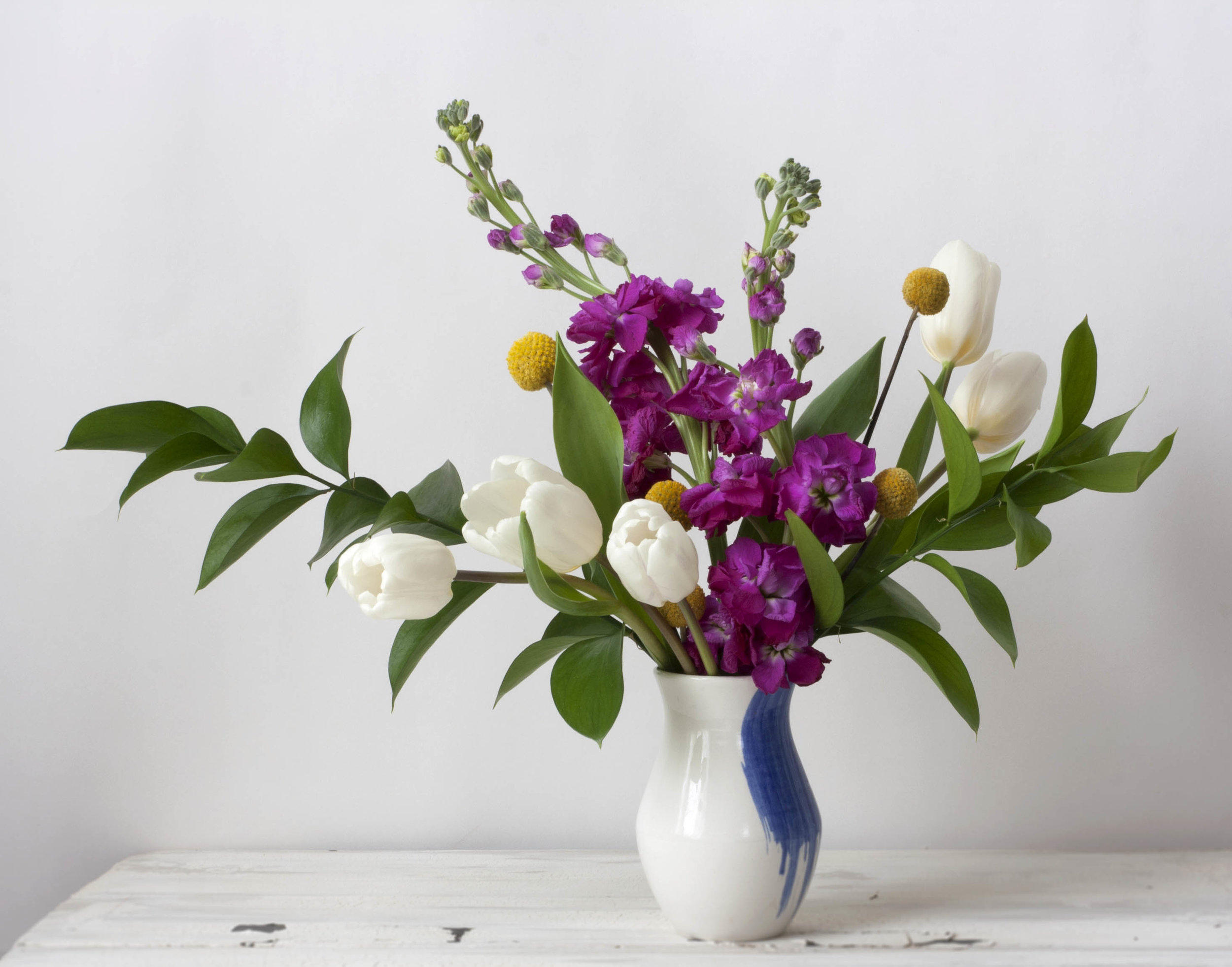 Suite_One_Studio_bluesrushstrokevase_styled