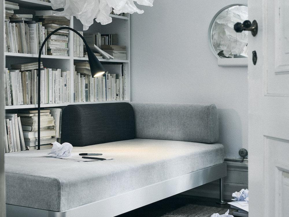 IKEA_DELAKTIG_soffa_3-sits_Tallmyra_vit_svart_med_lampa_PH148114.jpg