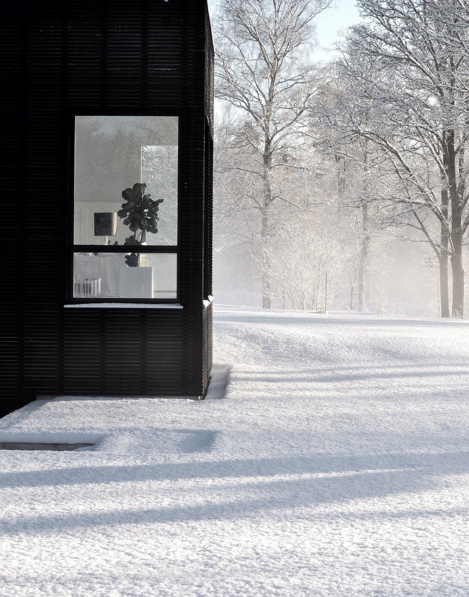 Tour a Minimalist Scandinavian Winter White Home