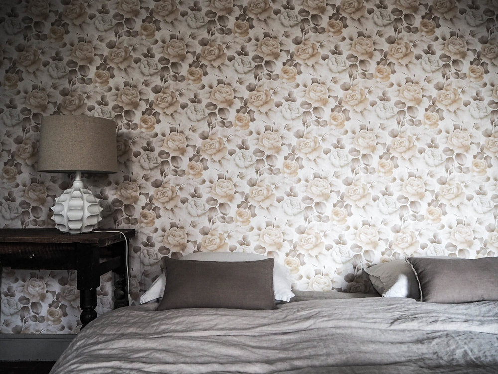 camellas-lloret-maison-d'hotes-room-3-bed.jpg