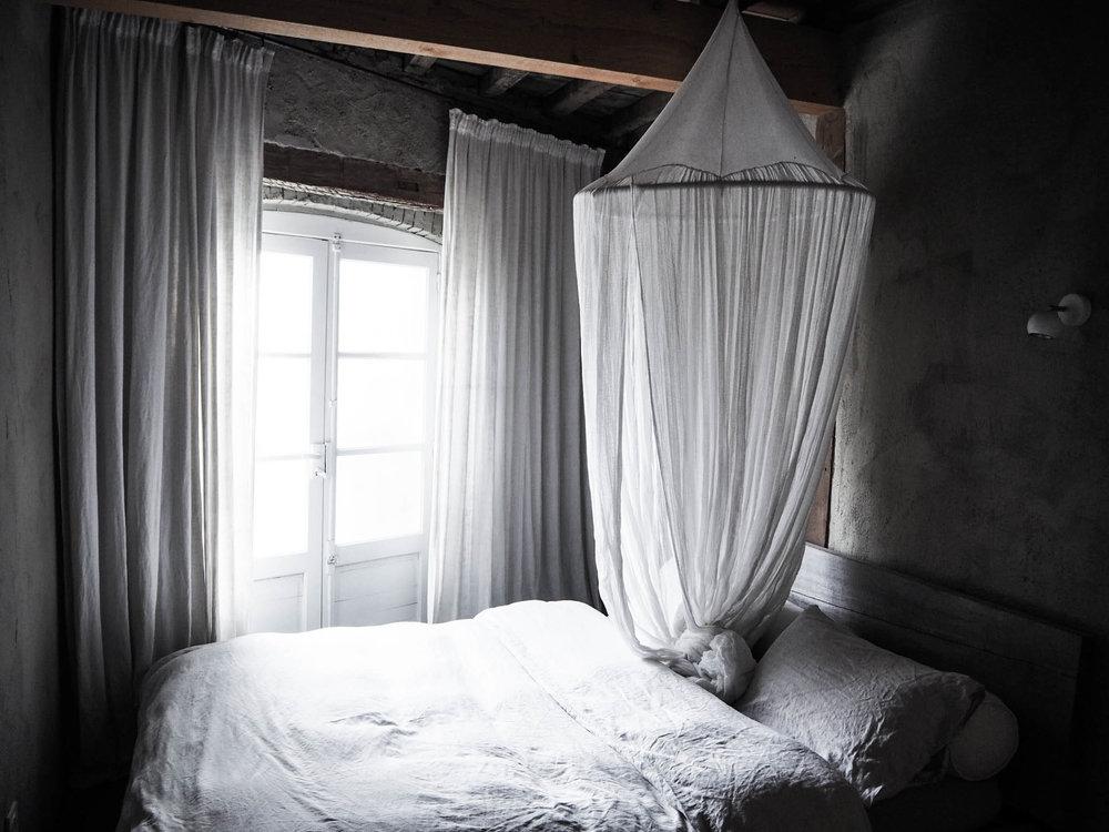 camellas-lloret-maison-d'hotes-room-5-bed.jpg