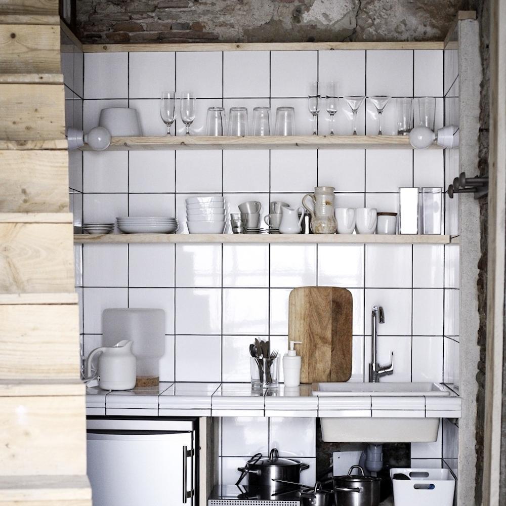 camellas-lloret-maison-dhotes-carcassonne-summer-cabin-kitchen.jpg