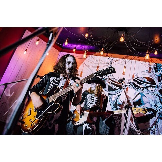 SEVERELY SPOOKY at @hermitagerd Friday night in #Hitchin 👻☠️👹 Great to be home with the lads! 🤘  Huge love all of you that turned out ❤️ See you on December 13th at @club_85_hitchin for the final home show of 2018! 📸 @jpboardman . . . . . #hitchin #hertfordshire #herts #halloween #love #singer #music #songwriter #artist #singersongwriter #live #newmusic #listennow