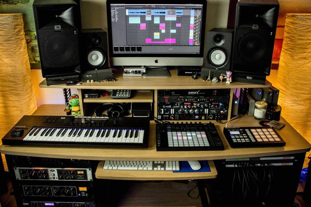 Desk - Straight.jpg