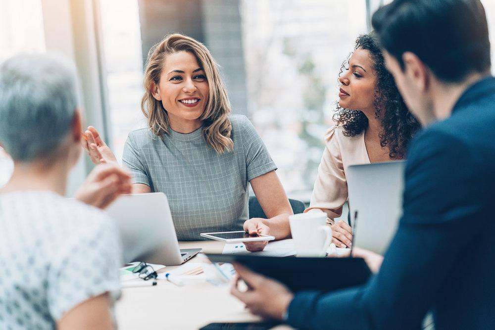 - VEM?Utbildningen riktar sig till dig som varje dag jobbar operativt eller strategiskt med sociala medier för att få din organisation att sticka ut i flödet.