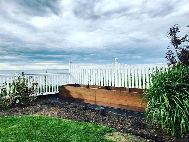 12' of #IPE garden dreams  #certifiedorganic #organic #farmtotable #farm2table #nofo #hamptons #freshleecut #sangleefarms #local #sustainable #homegarden #homegrown #garden #ediblegarden