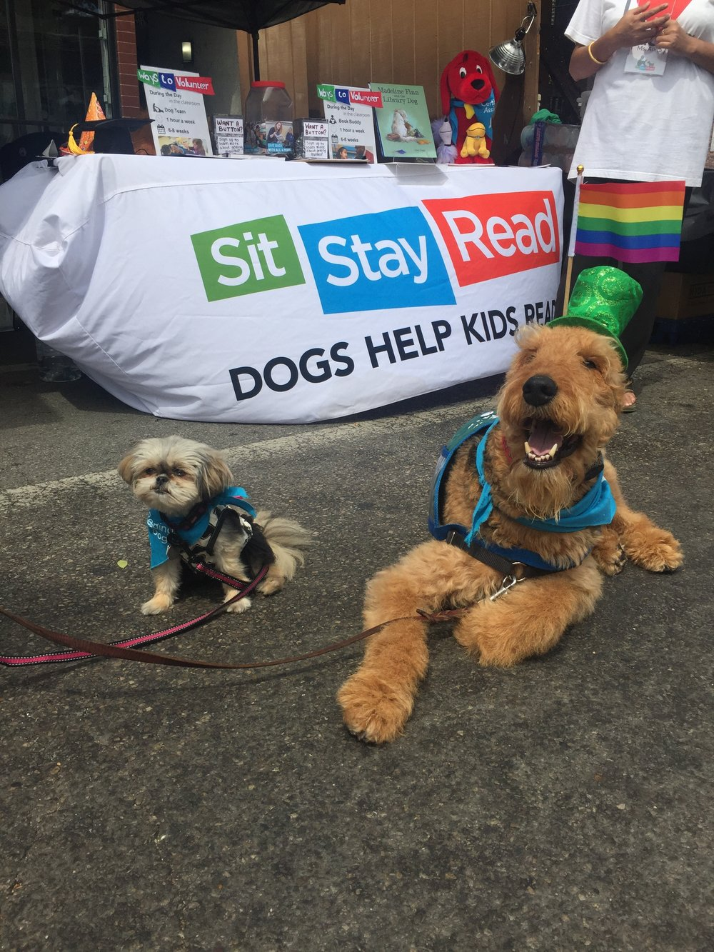 Certified Reading Assistance Dogs Buddy and Bambi smile at the start of Market Days on Sunday! (M. Rosales)