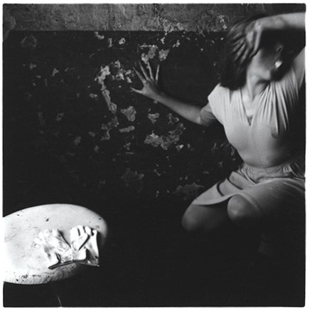 Francesca Woodman / Angels, 1977-1978 / Courtesy Betty Woodman