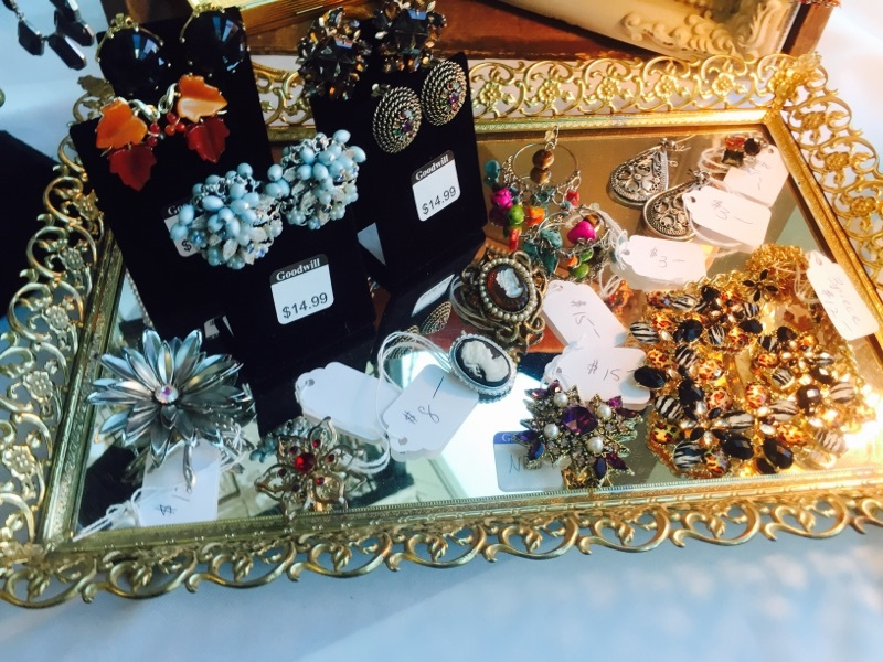 2d3e0f4cff7 Vintage costume jewelry enhances any outfit and gives it a classic look!