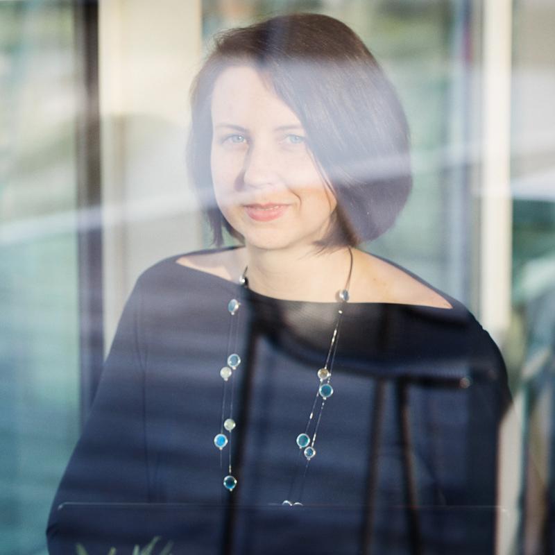 Mein Name ist Natalie und ich bin Squarespace Webdesignerin und Trainerin mit einer großen Leidenschaft für Webseiten, die durch Design und Funktionalität in gleichem Maße bestechen. -