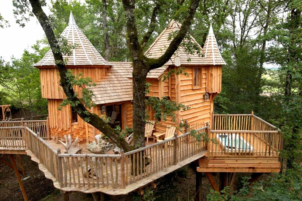 Melanie Sutrathada shares the coolest treehouses to rent on Airbnb including this beautiful treehouse in Puybéton, France..jpg