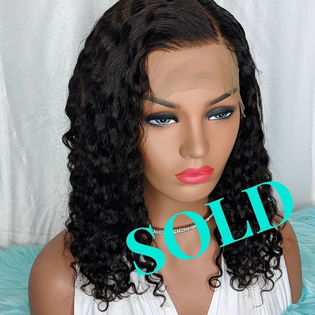 """This beautiful READY to SHIP READY to WEAR unit is going to South Carolina! Follow our page for updates of READY to SHIP READY to WEAR units ❤️😊 . . Wig details: Glueless 4.5"""" lace front 14"""" hair 130% density Wavy/Curly Medium size cap Medium brown lace Standard Quality hair (can last 1.5 years) . . #twintresses_boutique #letskeepitclassyshallwe #wiglife #besthumanhairwigs #curlyhair #curlywigs #wavyhairstyle #wavywig #mediumlengthhair #bestlacewig #gluelesswig #hairlosssolution #hairreplacementsystem #hairsalon #wholesalewigs #atlanta #houston #dallas #california #getthelook #luxuryhair #luxurywig"""