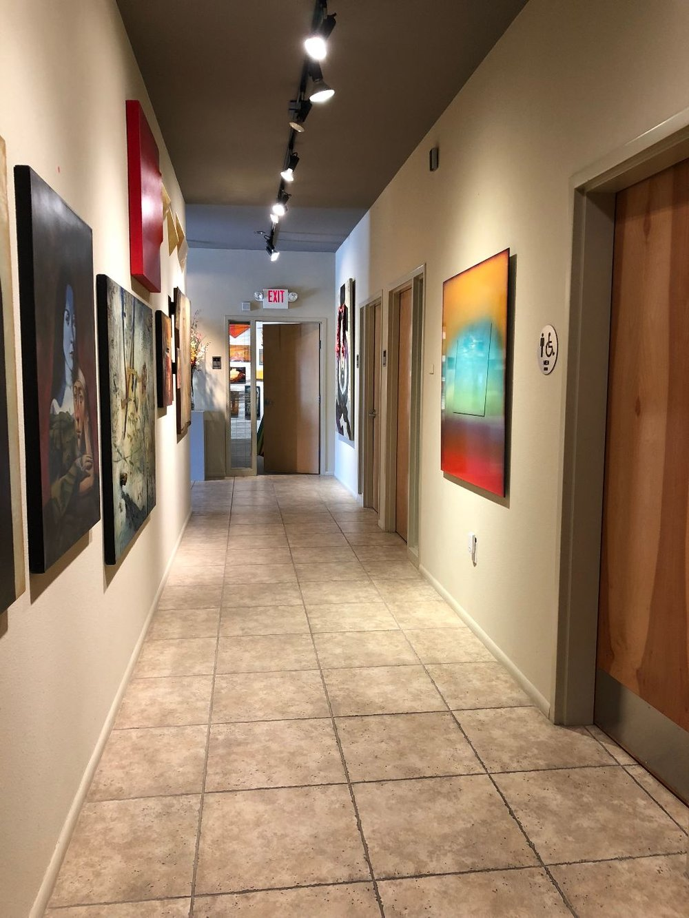 5100-hallway-lease-offices.jpg
