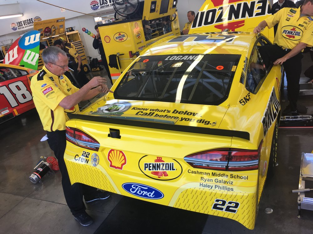 Fuel For Success partner 811 has prime placement on the #22 Decklid.
