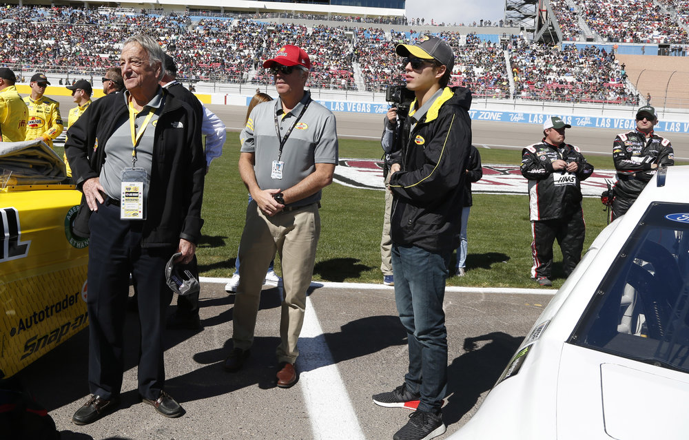 The Maurer family visits the grid ahead of the Pennzoil 400