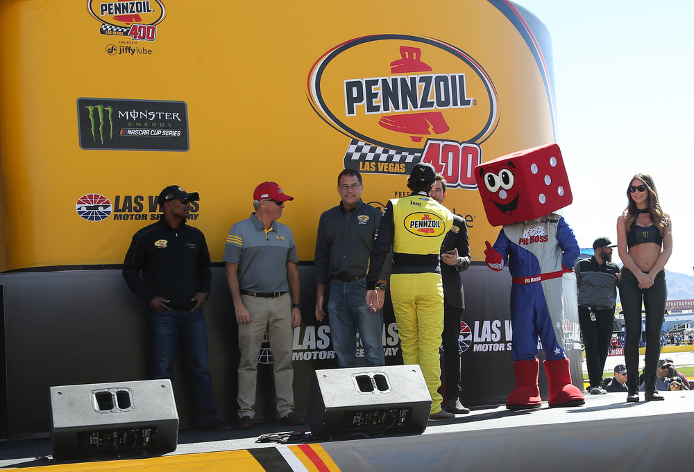 Pennzoil and Jiffy Lube leadership welcome drivers on-stage during driver introductions