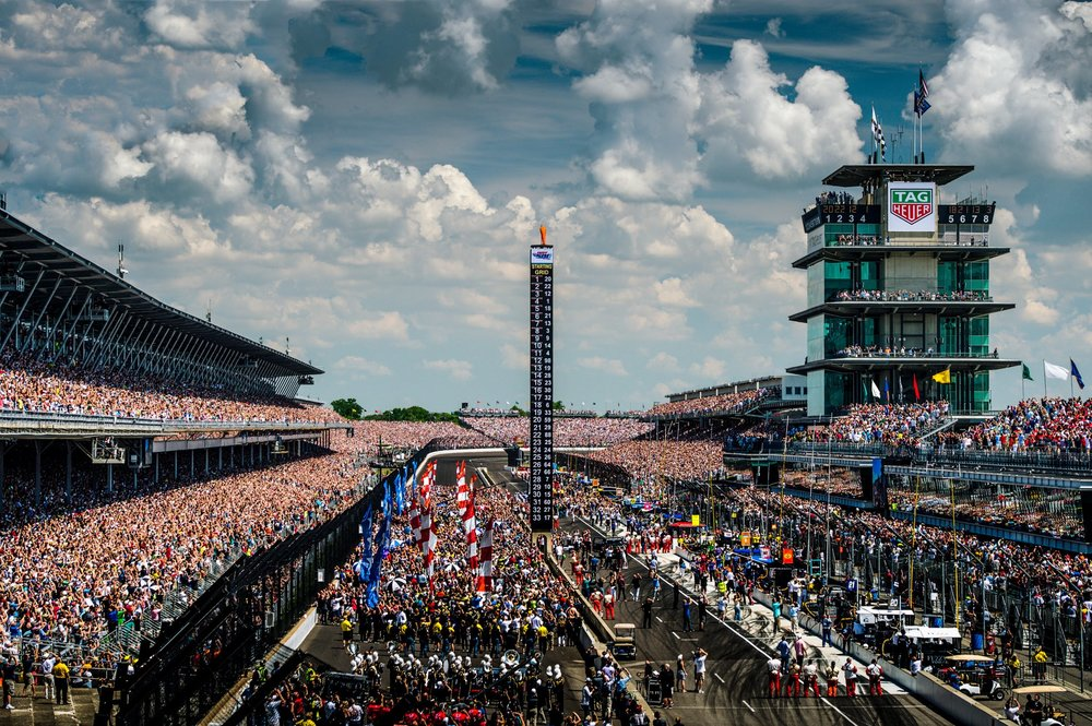 indy-500-front-stretch.jpg