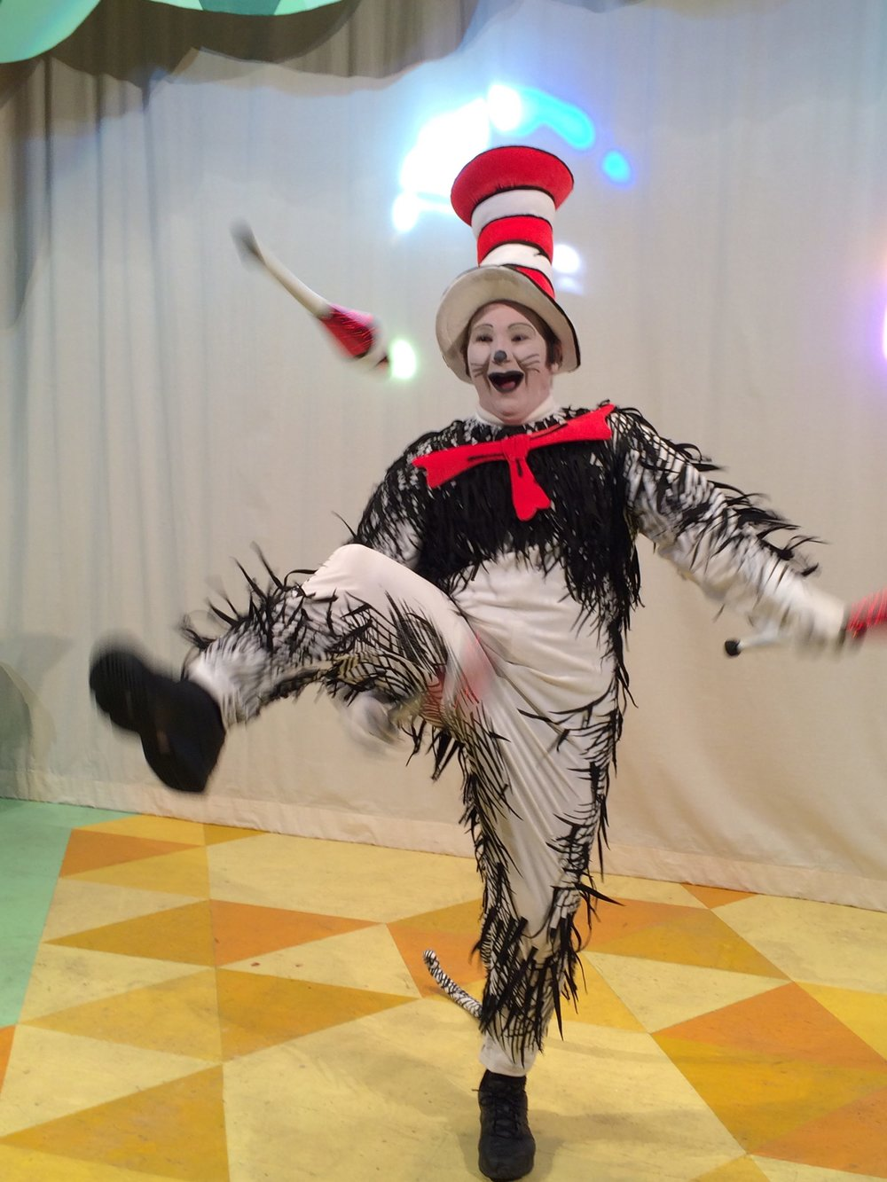 Cat in the Hat Juggling