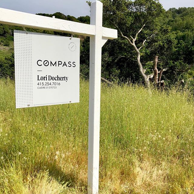 What's this? Could it be .... a rarely available vacant lot in a desirable Corte Madera (Marin) neighborhood and a great public school district?  Sure is, and it's for sale!  Ping me for the scoop. #buildyourdreamhome #cortemaderarealestate #marinrealestate #compasseverywhere
