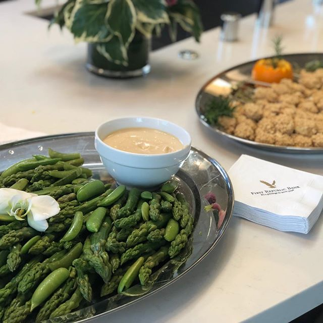 Loving the great brunch spread courtesy of Susan Thompson of First Republic Bank at my fab new listing at 2135-2137 Greenwich Street. #firstrepublicbank #nocarbs #cowhollowsf #realestatelife #sfrealestate #brokertour #brokertourtuesday